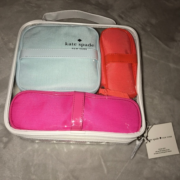 9d0401f362 Kate Spade New York Cosmetics Toiletry Bag Kit Set